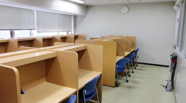 理学部図書室 - 学生自習室